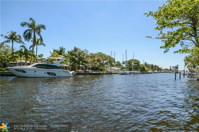 1401 SW 14th Ct - Fort Lauderdale, Florida