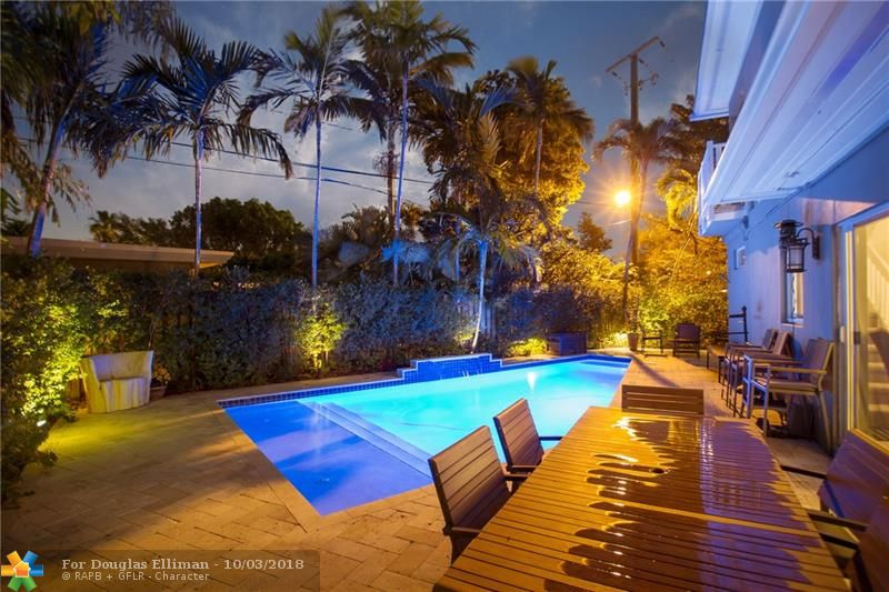 309 NE 20th St - Wilton Manors, Florida