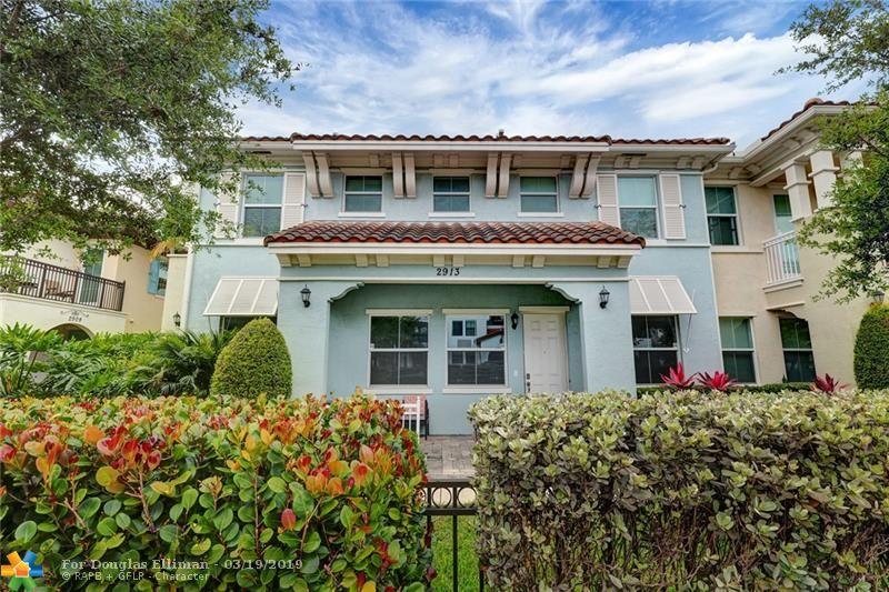 2913 Cascada Isles Way, 2913 - Hollywood, Florida