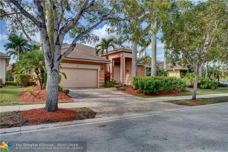 1424 Blue Jay Cir - Weston, Florida