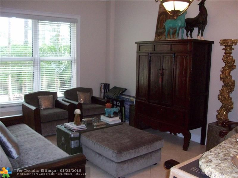 2625 NE 14th Ave, 103 - Wilton Manors, Florida