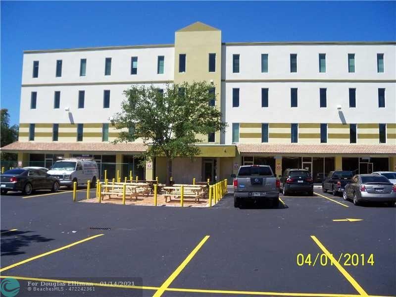 4000 N State Road 7, 411 - Lauderdale Lakes, Florida