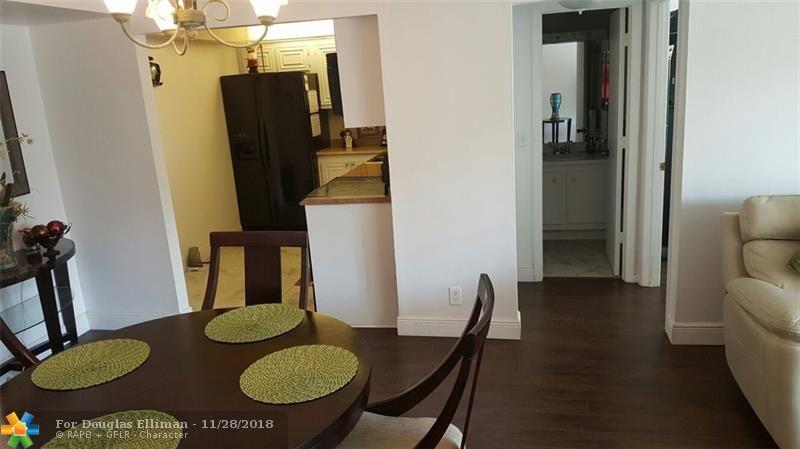 1428 SE 4th Avenue, Apt 270 - Deerfield Beach, Florida