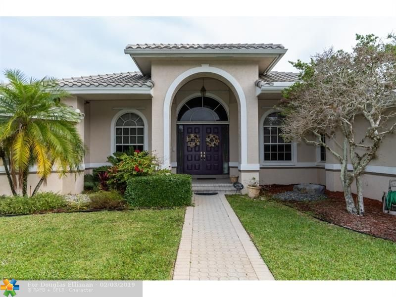 10631 SW 37th Pl - Davie, Florida