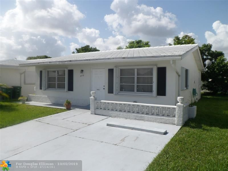 6712 NW 71st Ct - Tamarac, Florida