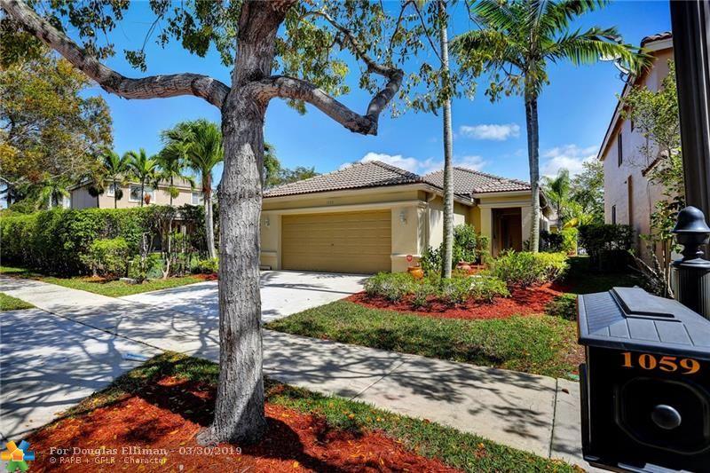 1059 Golden Cane Dr - Weston, Florida