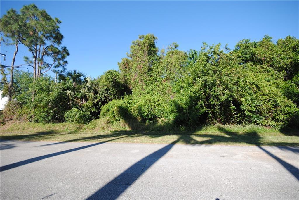 2260 SE Adobe Street - Port St Lucie, Florida